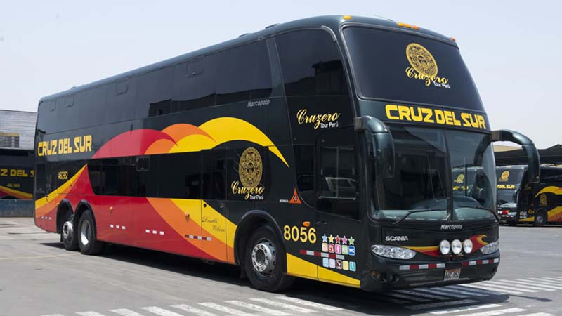 Cruz del Sur Bus service between Arequipa and Lima